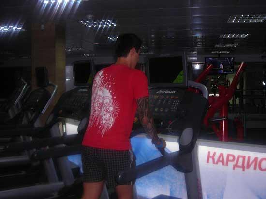 начало тренировок в тренажерном зале
