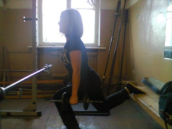 Тренировка ног для девушки
